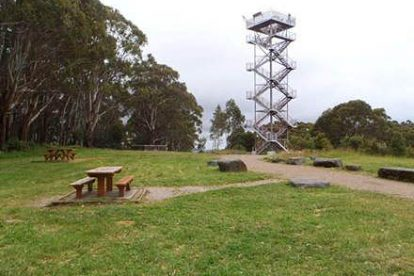 Mt-Donna-Summit-Viewing-Platform-1