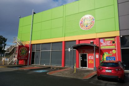 Crocs Playcentre Knox 01