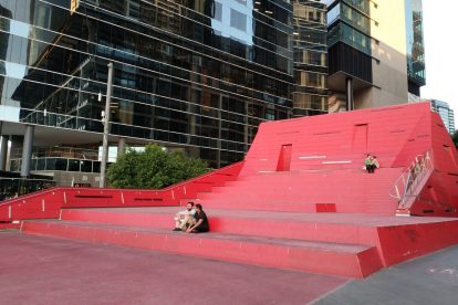 Queensbridge Square 04