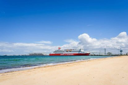 Port Melbourne Beach 03