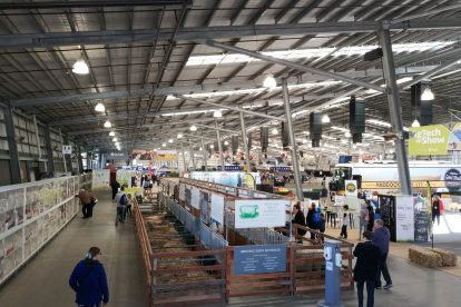 Melbourne Showgrounds 02