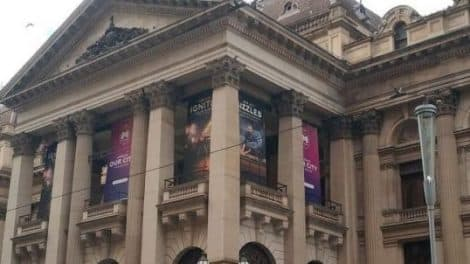 Melbourne town Hall-featured